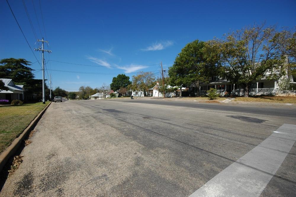W. San Antonio Street