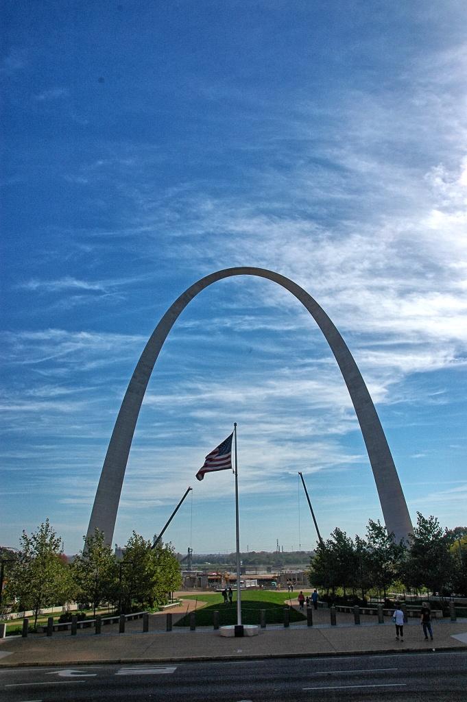 flag & arch
