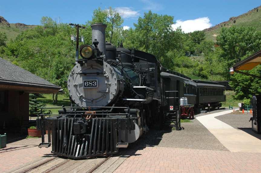 locomotive #683