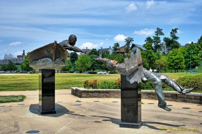 Tom Lee Monument