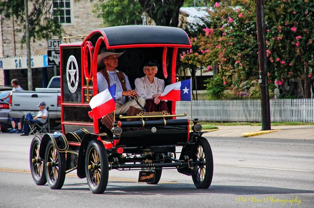 "Oldmobile Model R Curved Dash ""Pie Wagon"""