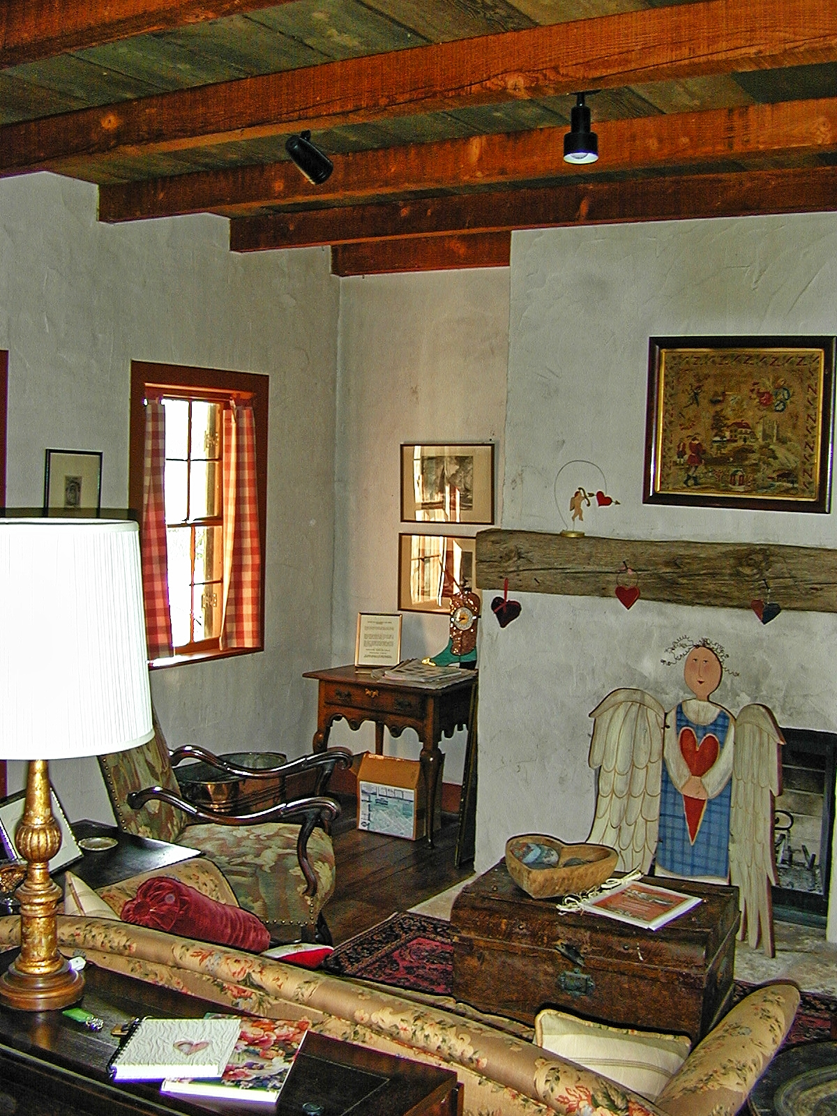 Texas Two-Step: Living-Room