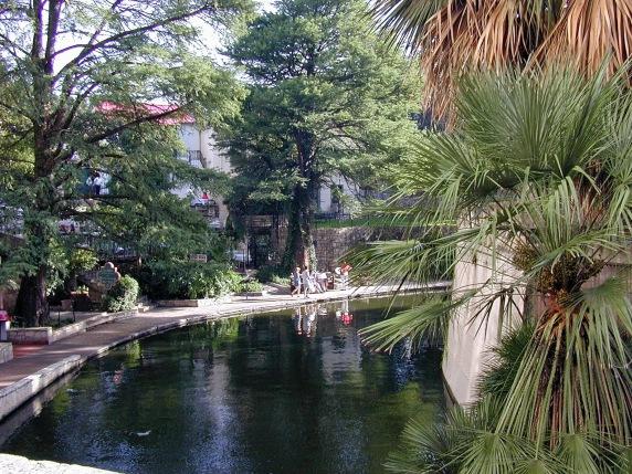 river_walk_0002_Ldr_natural