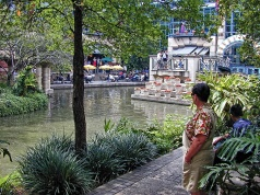 river_walk_0005_ldr_natural2